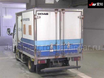 Фургон ISUZU ELF 2005 года во Владивостоке