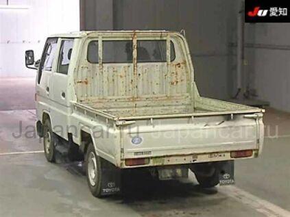 Бортовой Toyota HIACE 1995 года во Владивостоке