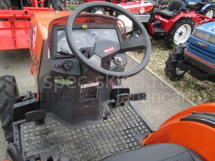 Трактор колесный Kubota GT3D 2005 года в Новом Уренгое