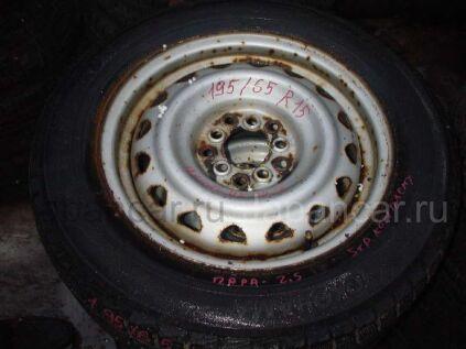 Зимние шины Yokohama 195/65 15 дюймов б/у в Уссурийске