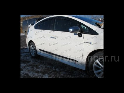Накладки на двери на Toyota Prius Hybrid во Владивостоке