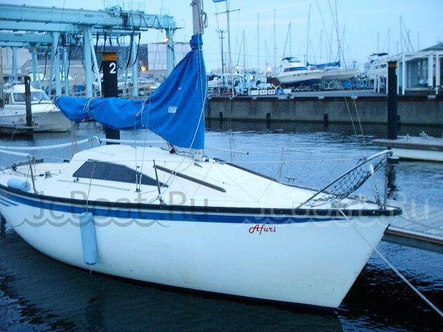 яхта моторная YAMAHA 21C 1988 года