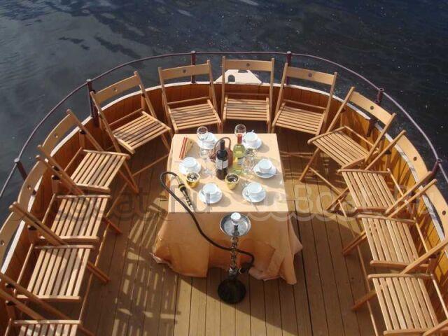 яхта моторная 2009 года