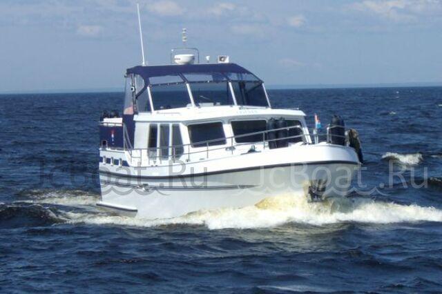 яхта моторная 2012 года