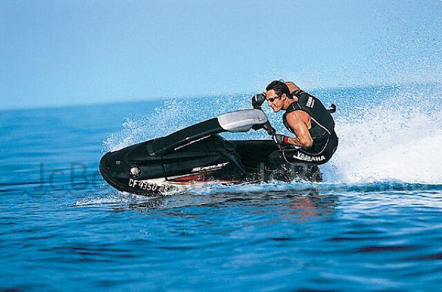 водный мотоцикл YAMAHA SUPER JET 700 2003 года