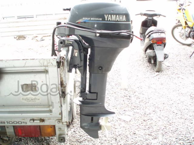 мотор подвесной YAMAHA YAMAXA-F8CWH 2005 года