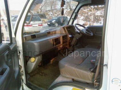 Фургон Nissan ATLAS 1994 года во Владивостоке
