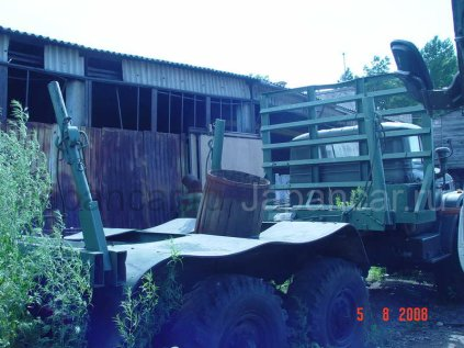 Лесовоз Урал 5557 1986 года в Биробиджане