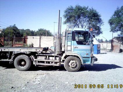 Тягач Hino DIESEL 1995 года во Владивостоке