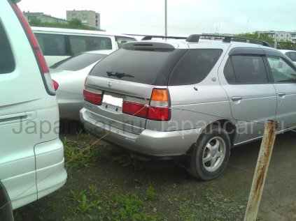 Nissan R'nessa 1998 года в Большом Камне