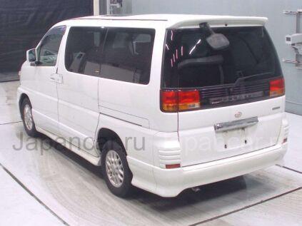 Nissan Elgrand 2000 года во Владивостоке