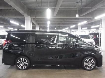Toyota Alphard 2018 года в Москве