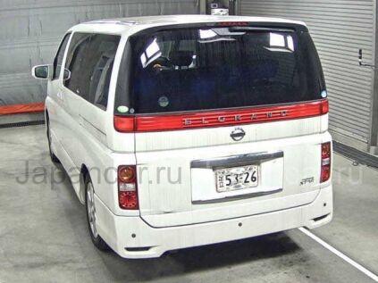 Nissan Elgrand 2005 года во Владивостоке