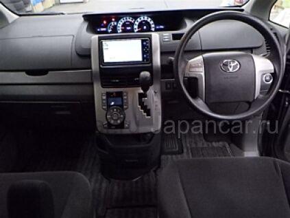 Toyota Noah 2009 года во Владивостоке