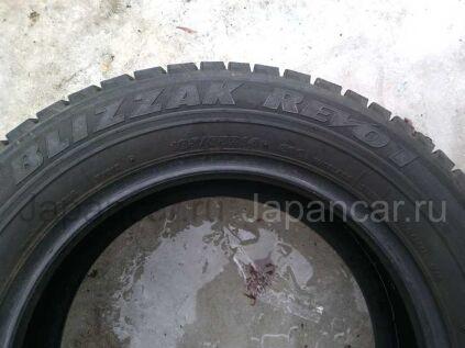 Всесезонные шины Япония Bridgestone blizzak revo1 185/65 14 дюймов б/у во Владивостоке