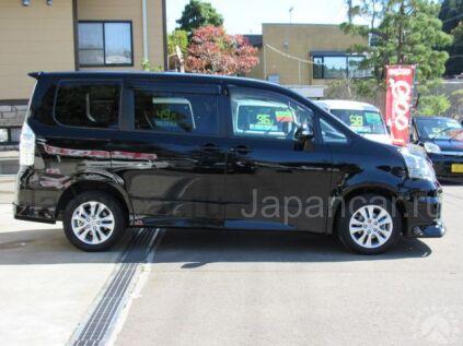 Toyota Noah 2013 года в Японии