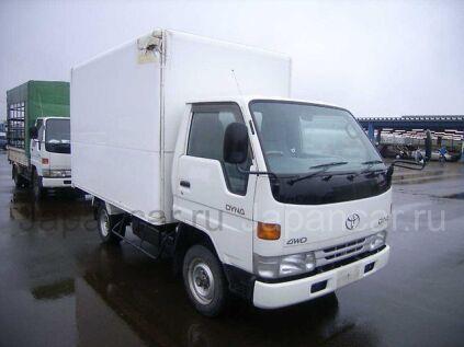 Фургон TOYOTA DYNA 1998 года в Японии
