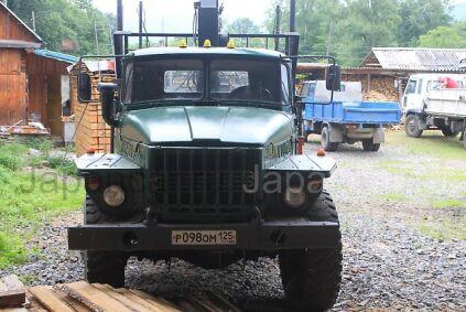 Лесовоз УРАЛ 4320 1990 года в Дальнегорске