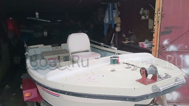 лодка пластиковая AKASHI ED317 1994 года