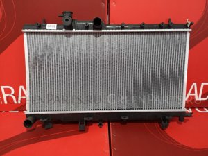 Радиатор двигателя на Subaru Impreza GDB