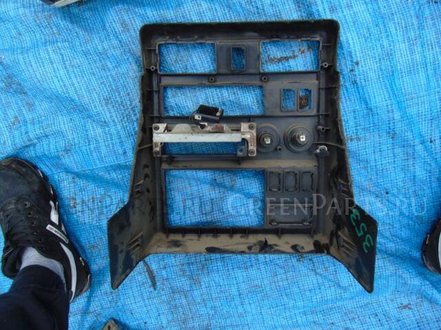 Консоль магнитофона на Nissan Safari WRY60 TD42