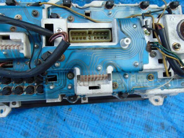 Спидометр на Toyota Hiace LH51 2L-T