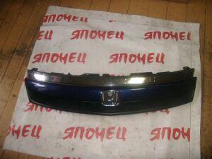 Решетка радиатора на Honda Stream RN1 D17A II модель