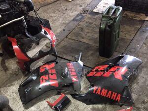 Разный пластик на YAMAHA FZR 1000 2LL