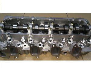Головка блока цилиндров на Toyota Hilux Surf KZN130 1KZ