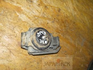 Подушка двигателя на Nissan Gloria UY33 RD28 9149