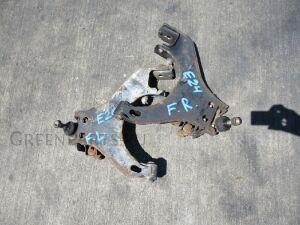 Рычаг на Nissan Caravan KRME24 TD27