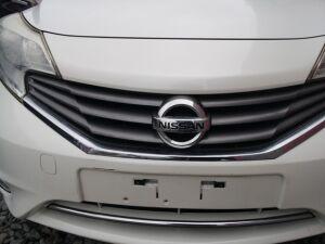 Решетка радиатора на Nissan Note E12 NNO8289