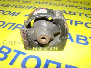 Подушка двигателя на Toyota Fielder NZE121
