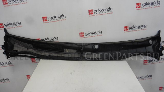 Панель капота (под дворники) на Toyota Avensis AZT250