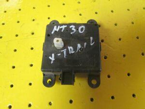 Сервопривод заслонок печки на Nissan X-Trail NT30 QR20