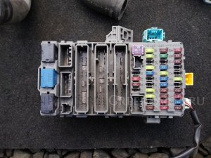 Блок предохранителей на Honda Civic FD1, FD2, FD3 K20A
