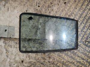 Форточка двери на Suzuki Escudo TD01W