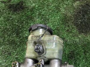 Главный тормозной цилиндр на Honda Odyssey RA6 F23A