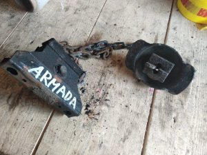 Крепление запаски на Nissan Armada, Titan, QX56 A60, TA60, JA60 VK56DE 57210-7S000
