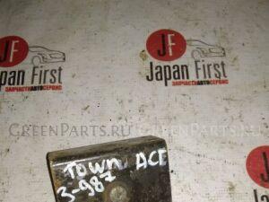 Крепление запаски на Toyota TOWNACE KM51