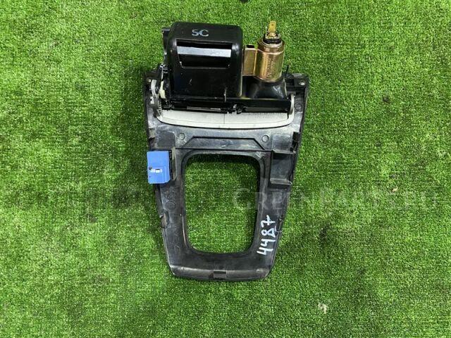Консоль кпп на Subaru Forester SG5 EJ205 92121SA060