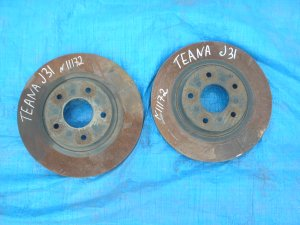 Диск тормозной на Nissan Teana J31 VQ23DE КОД КРАСКИ QX1 CТРАНСМИСИЯ RE4F04B-FT44