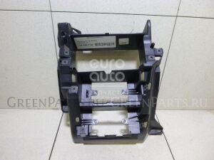 Рамка магнитофона на VW Transporter T5 2003-2015 7H1857273