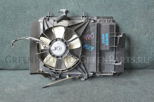 Радиатор на Toyota Passo Sette M502E 3SZVE