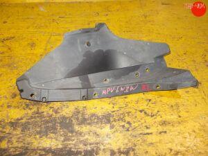 Подкрылок на Mazda Mpv LW3W