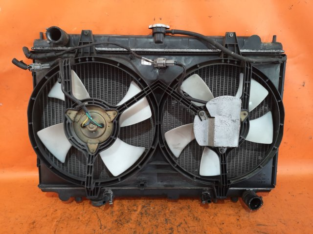 Радиатор двигателя на Nissan Cefiro A32 VQ20DE