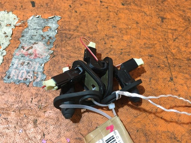 Выключатель концевой на Toyota Bb NCP31 1NZ-FE