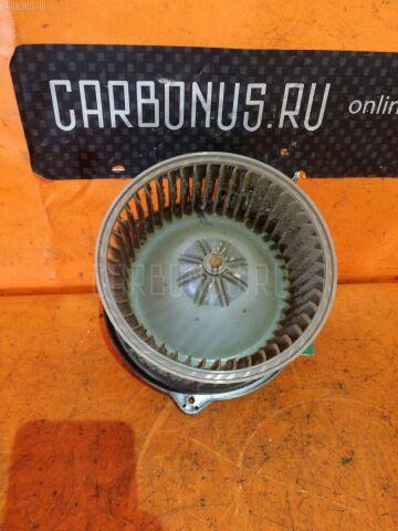 Мотор печки на Toyota Nadia SXN10