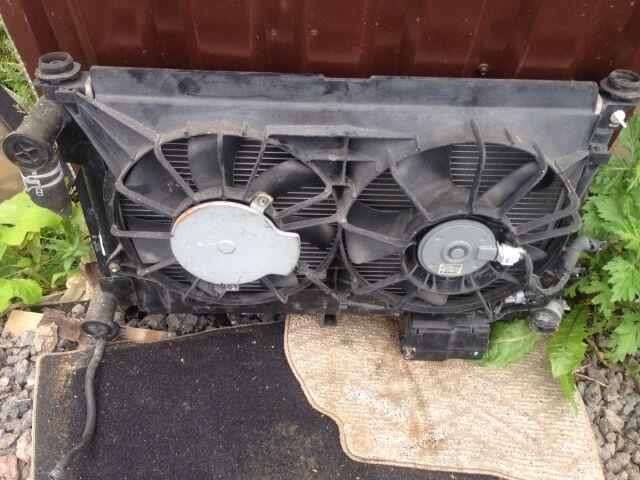 Радиатор двигателя на Toyota Avensis AZT250 1AZ-FSE
