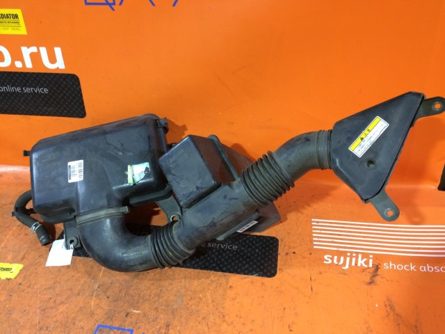 Корпус воздушного фильтра на Suzuki Wagon R Solio MA34S M13A